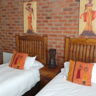 travellers nest guesthouse 25-1000