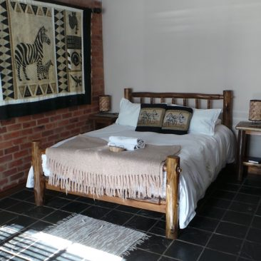 travellers nest guesthouse 31-1000