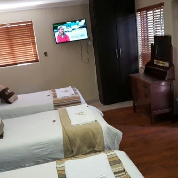 travellers nest guesthouse 43-1000